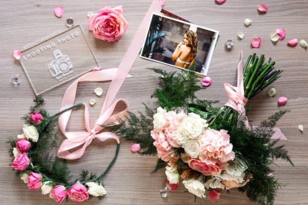 Idée cadeau 974 - Shooting photo à offrir avec couronne de fleurs et bouquet de fleurs